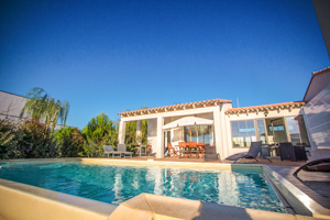 location maisons villas sud France AN25 Maison ALOIZINE