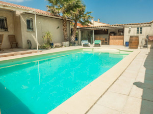 location maisons villas sud France AN37 Maison ARONEME