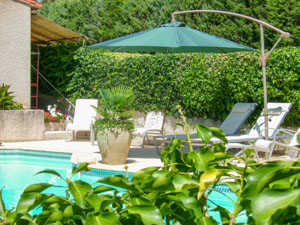 location maisons villas sud France AR03 Maison APHILLE
